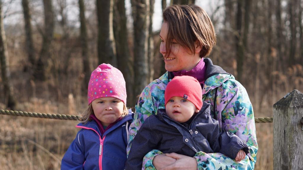 Mor med döttrar